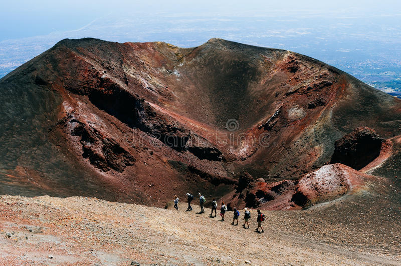 Wandelaar op de Etna, Sicilië stock foto