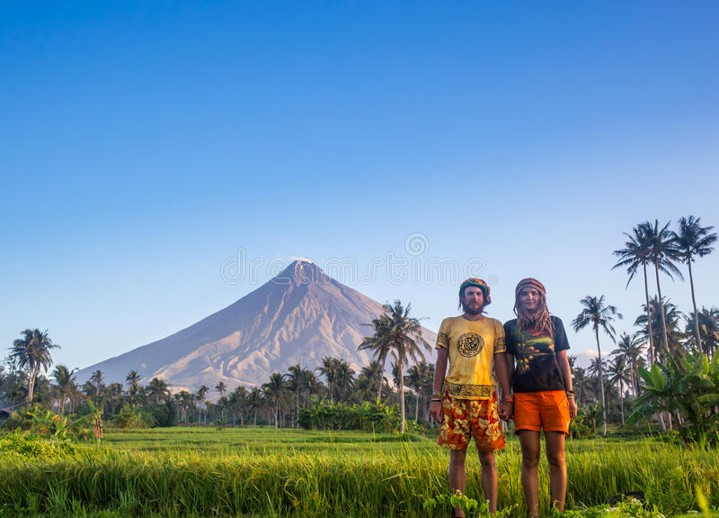 Wandelaarmens wandeling het leven gezonde actieve levensstijl stock foto's