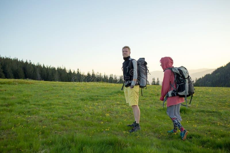 Wandelaars op een sleep royalty-vrije stock fotografie