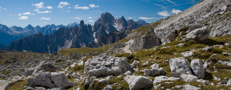 Wandeling in het Dolomiet stock foto