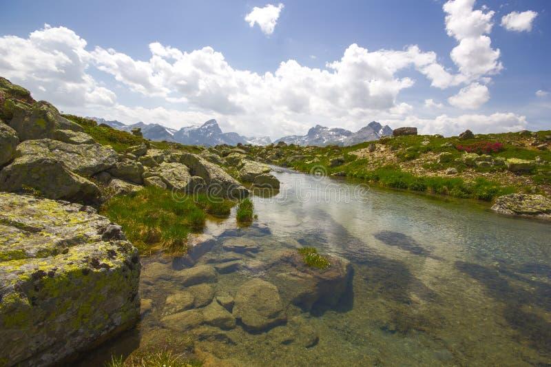Wandeling op Alp Flix stock foto