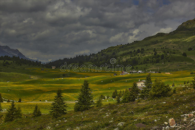 Wandeling op Alp Flix royalty-vrije stock afbeeldingen