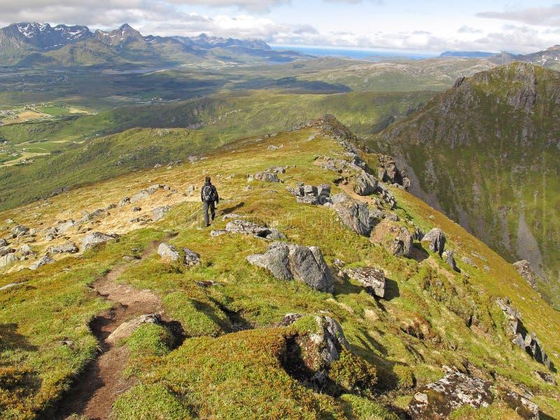 Wandeling op Lofoten-eilanden stock foto's