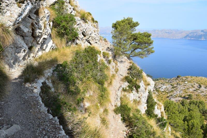Wandelingssleep met spectaculaire mening dichtbij Alcudia op Mallorca stock fotografie