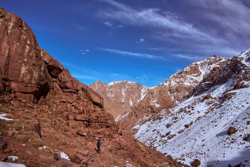 Wandelingssleep neer aan Imlil van de berg van Jebel Toubkal stock afbeeldingen