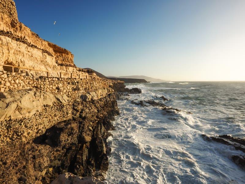 Wandelingssleep onder de Atlantische Oceaan, Fuerteventura stock fotografie