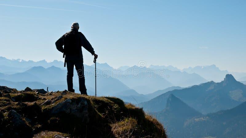 Wanderer da montanha fotografia de stock royalty free