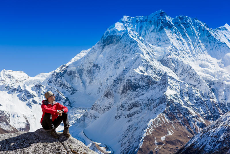 Wandern in den Himalaja-Bergen stockfotografie