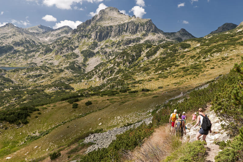 Wandern der Pirin Berge stockfotos