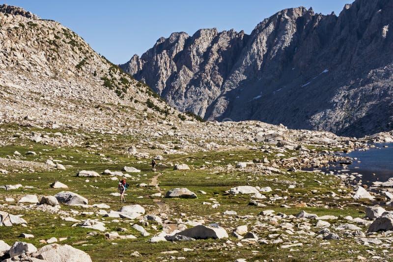 Wanderndes Entwicklungs-Becken, Nationalpark König-Canyon, Kalifornien lizenzfreies stockfoto