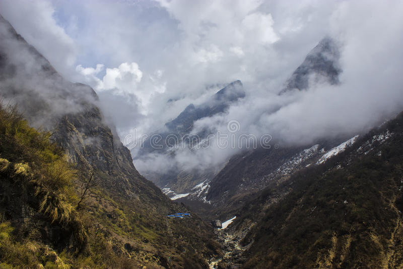 Wanderung niedrigen Lagers Annapurna stockfotos