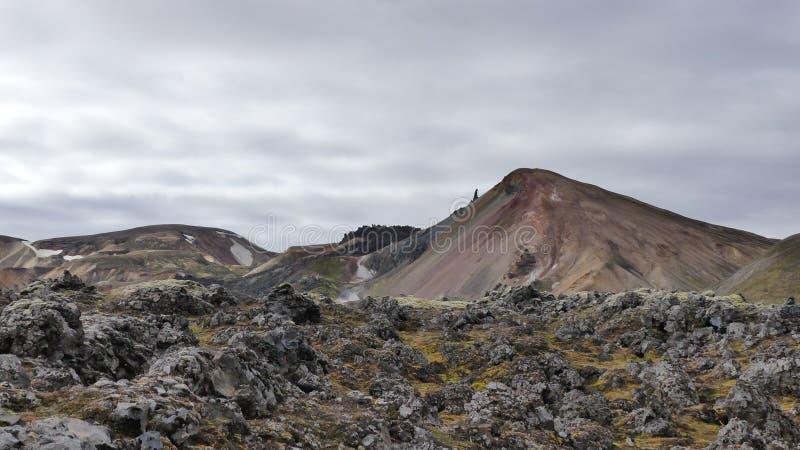 Wanderung Skalli - Landmannalaugar, kurze Wanderung nahe bis zum heißen Quellen lizenzfreies stockfoto