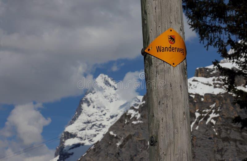 Wanderweg Sign arkivfoton
