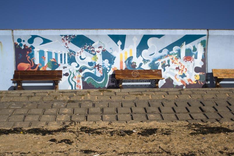 Wandgemälde auf dem Damm am Übereinstimmungs-Strand, Canvey Island, Essex, en stockfoto