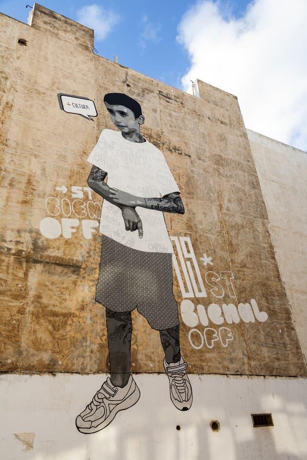 Wandgemälde an einer Hausmauer in Arrecife, Spanien stockbilder