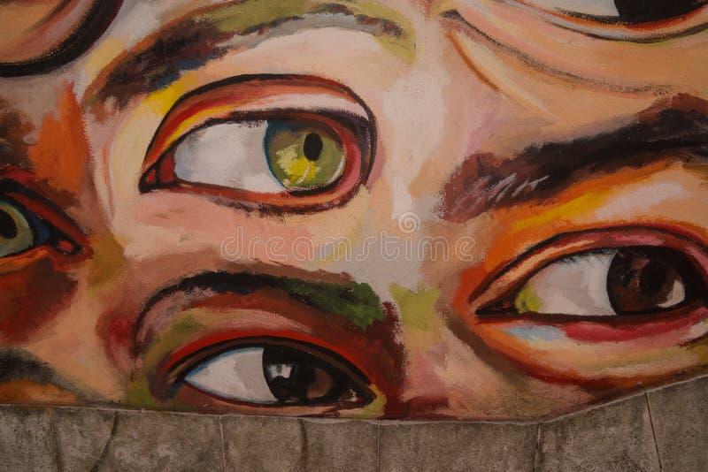 Wandgemälde mit den Augen, die Sie aufpassen lizenzfreies stockbild