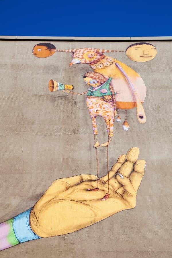 Wandgrafik von OS Gemeos in Heerlen, die Niederlande stockfoto