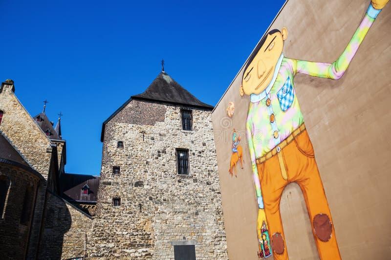 Wandgrafik von OS Gemeos in Heerlen, die Niederlande stockfotografie