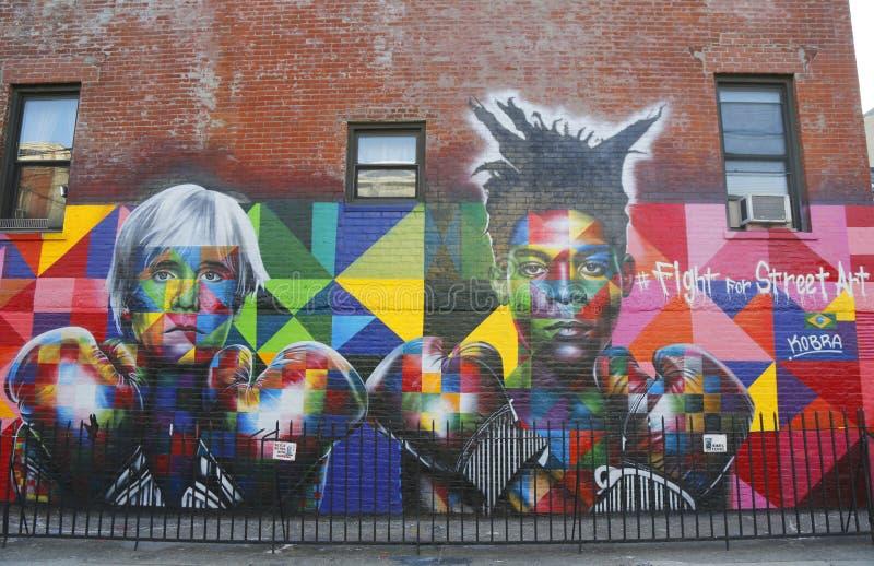 Wandkunst durch brasilianischen Wandkünstler Eduardo Kobra zieht Pop-Arten-Legende Andy Warhol und Superstar Jean-Michel Basquiat lizenzfreies stockfoto