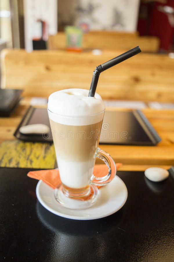 Waniliowy latte w restauraci fotografia stock