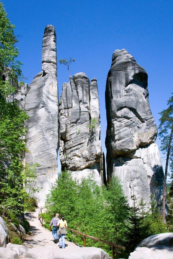 Wapnia Adrspach skały miasteczko i łupu jezioro - park narodowy zdjęcie royalty free