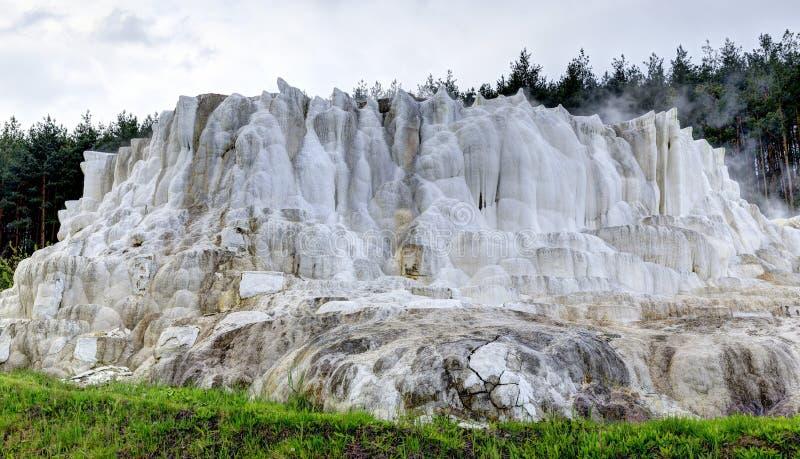 Wapnia wzgórze Egerszalok obrazy royalty free