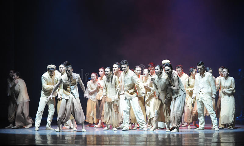 The war refugees-The third act of dance drama-Shawan events of the past. Guangdong Shawan Town is the hometown of ballet music, the past focuses on the stock image