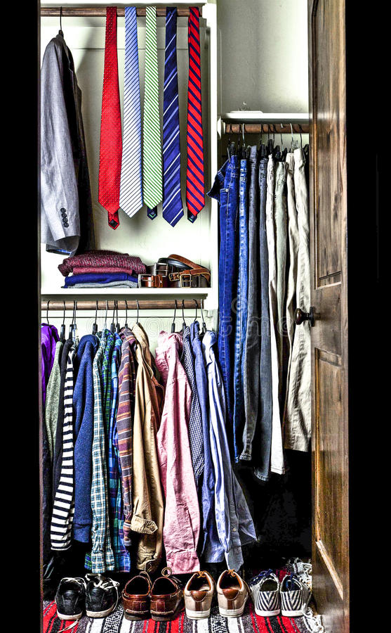Wardrobe de um homem imagens de stock royalty free