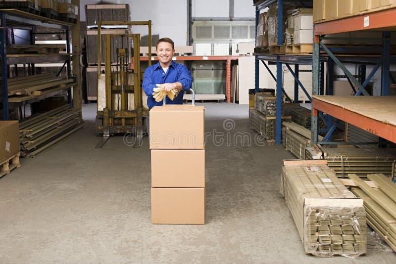 warehouse arbetaren royaltyfri foto