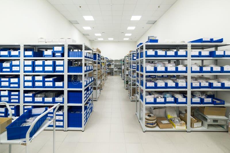 Warehouse de los componentes para la industria de electrónica fotografía de archivo
