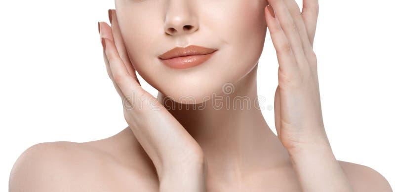 Warga nosa kobiety twarzy Piękny zakończenie w górę studia na bielu obraz royalty free