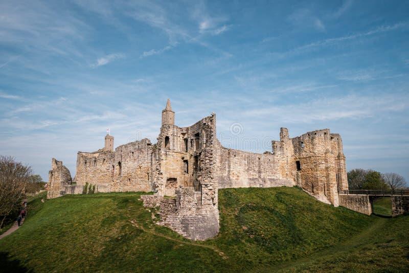 Warkworth城堡在诺森伯兰角,英国 库存照片
