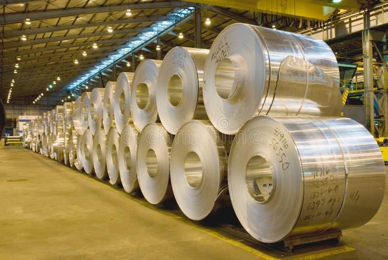 Warm gewalzte Aluminiumspulen stockbild