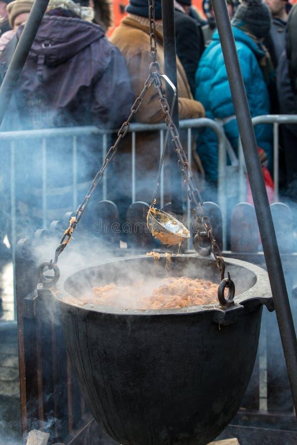 Warm voedsel voor slecht en dakloos royalty-vrije stock afbeelding