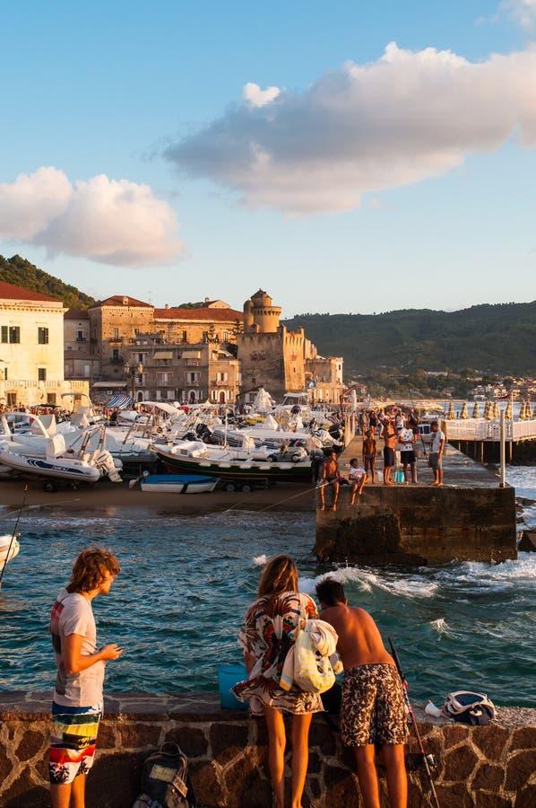 Warme, zoete September-zonsondergang in Zuid-Italië royalty-vrije stock fotografie