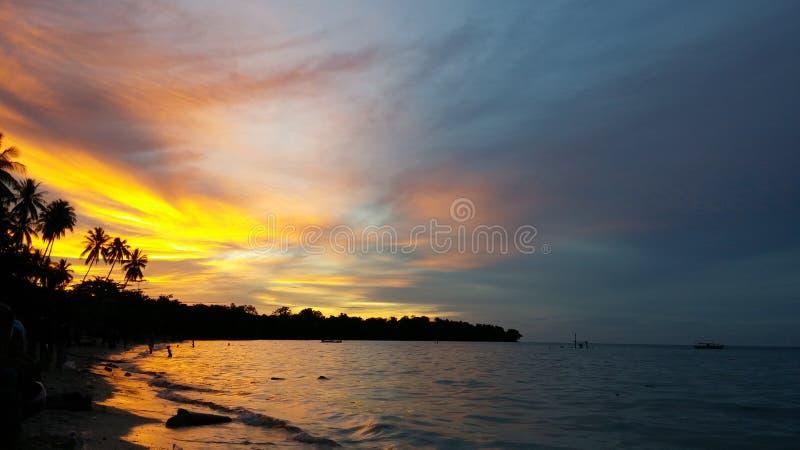 Warme zonsondergang stock afbeeldingen
