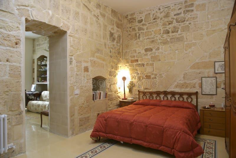 Warmes Rustikales Schlafzimmer Stockfoto - Bild von warm, rustic ...