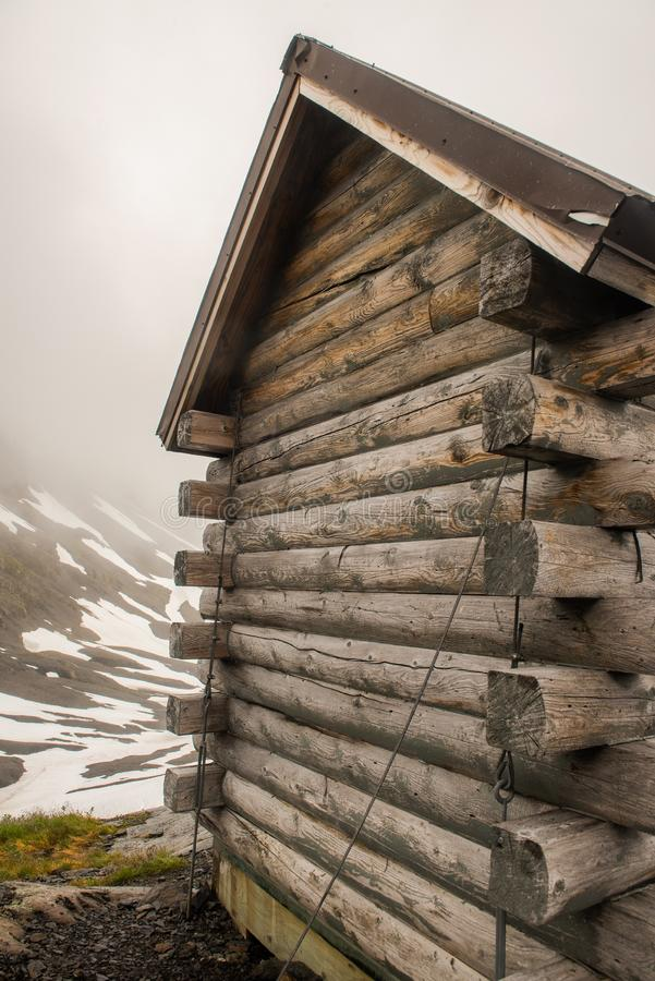 Close up of a warming hut in the Alaska mountains. A Warming hut on Exit Glacier hike in Alaska stock photos