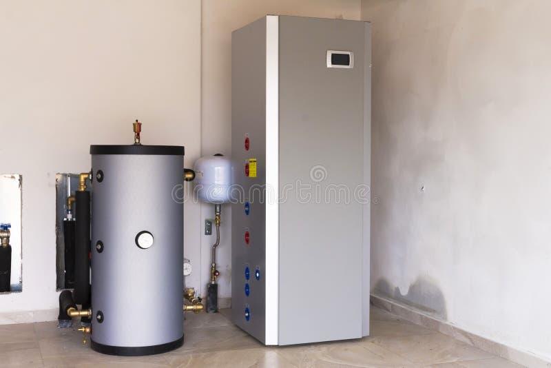 Warmtepomplucht - water voor het verwarmen royalty-vrije stock afbeeldingen