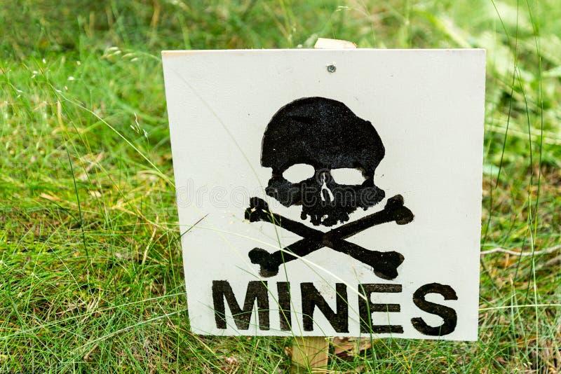 Warnendes Minenfeld lizenzfreie stockfotos