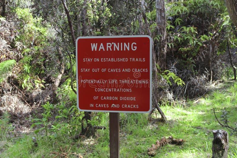 Warnzeichen, Kilauea-Krater, große Insel, Hawaii lizenzfreie stockfotografie