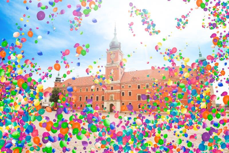 Warschau, Hauptstadt von Polen mit Luftballonen lizenzfreies stockbild