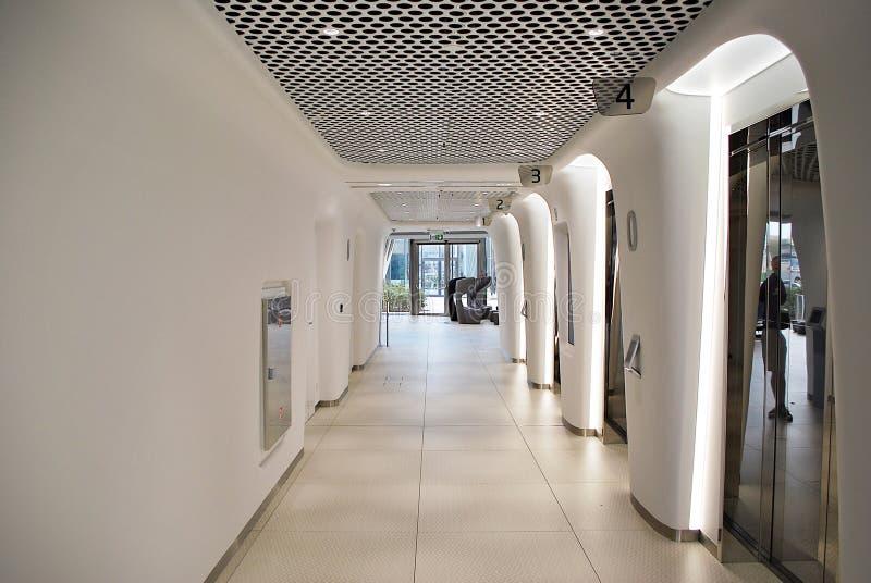 Warschau-Helm Modernes Bürohaus stockbild