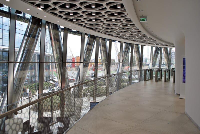 Warschau-Helm Modernes Bürohaus stockfotografie