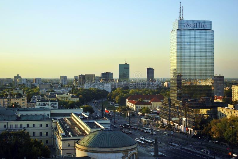 Warschau, Polen 8. August 2016 Ansicht der modernen Wolkenkratzer im Stadtzentrum Warschau-Skyline lizenzfreie stockbilder