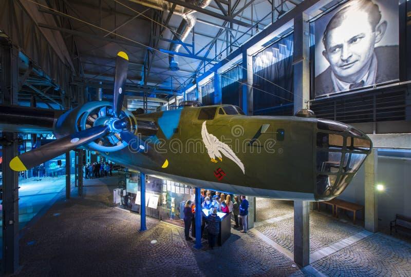Warschau, Polen, Europa im Dezember 2018 Bomberreplik des Befreiers B24 im Warschau-Aufstiegs-Museum lizenzfreies stockbild