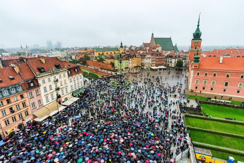 Warschau-Proteste im alten Stadtbereich stockfotografie