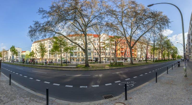 Warschauer Straße est une rue dans la localité de Friedrichshain de photographie stock libre de droits