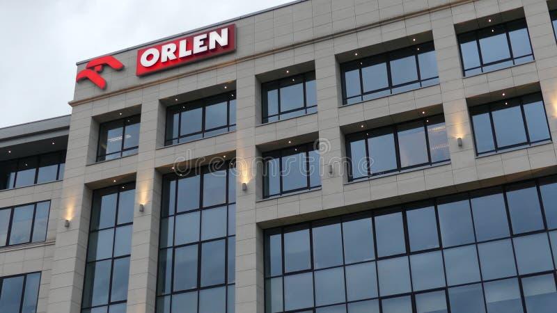 WARSHAU, POLEN - SEPTEMBER 8, 2017 Van het Orlenolie en gas de bouw van het bedrijfbureau royalty-vrije stock foto