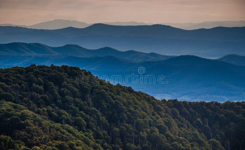 Warstwy granie Blue Ridge Mountains, widzieć od Kamienistego Ma zdjęcie royalty free